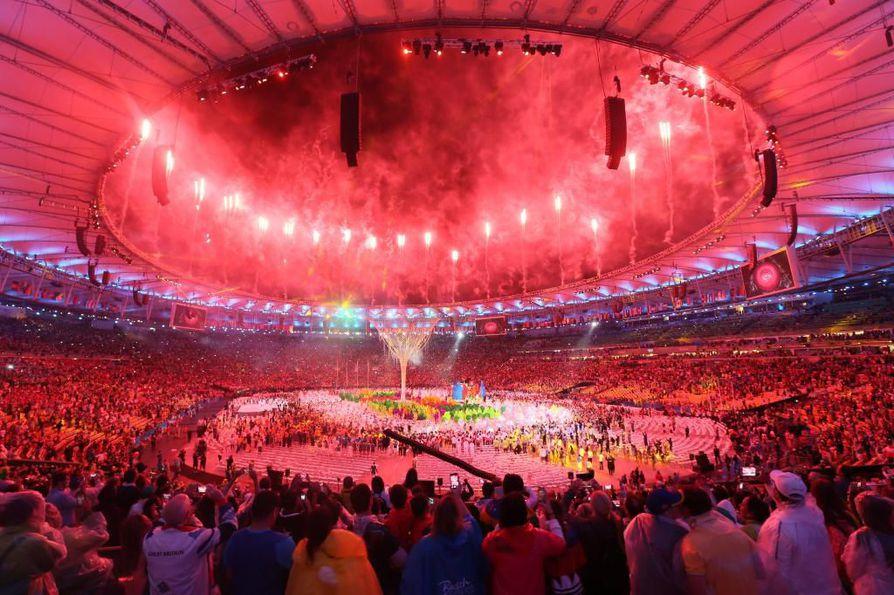 Rion olympialaisten päättäjäisiä juhlittiin näyttävästi viime yönä.