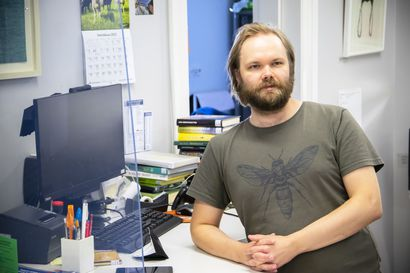Päivittäin tervetullut - uusi kirjastonhoitaja Antti haluaa testata, olisiko hänestä hailuotolaiseksi