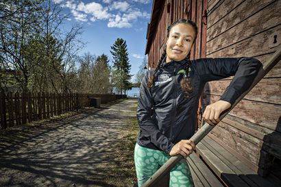 """Pyrinnön Jandeh Jallow, 22, on saanut juoksunsa kulkemaan pohjoisessa – samalla hän on sopeutunut hyvin kaupunkiin: """"Kun olen Helsingissä, minulla tulee ikävä Ouluun"""""""