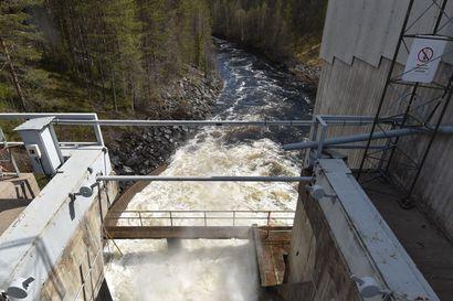 """Kuusinkijoen ennallistamishankkeen rahankeruu etenee, kasassa on lähes 200 000 euroa – kunnostustöihin päästään luultavasti ensi kesänä: """"Koska ympäristölupien kanssa menee pidempään, neuvottelemme voimalaitosyhtiön kanssa siitä, että yhtiö pyörittäisi voimalaitosta siihen asti, että kauppa on selvä"""""""