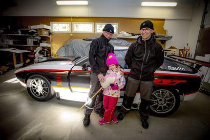 Porsche rakentuu pala palalta kisakuntoon Raution veljesten autotallissa