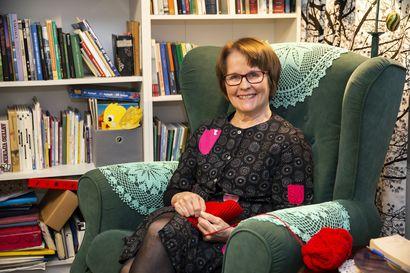 70 vuotta täyttävä Maija Rask nauttii nyt käsitöistä, lukemisesta ja mummoarjesta - ex-opetusministerin mielestä Lappiin tarvitaan tulevaisuudessakin kaksi sairaalaa