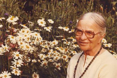 Hilja Vuola oli opettaja ja yhteiskunnallinen vaikuttaja