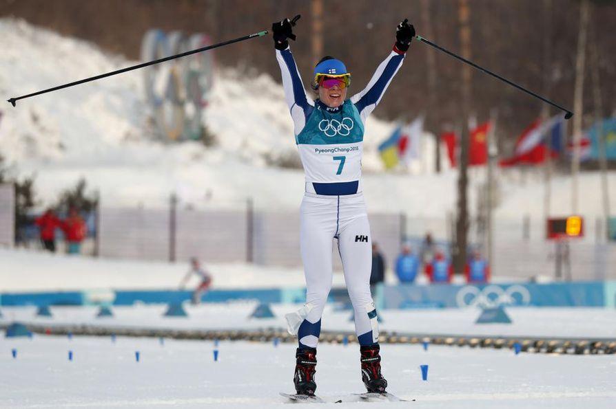 Krista Pärmäkoski (kuvassa) kamppaili lujasti hopeasta Björgenin kanssa. Hän pudotti viimeisessä ylämäessä Ruotsin Ebban Anderssonin mitalikamppailusta.