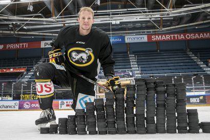 177 x Mika Pyörälä – 38-vuotias jääkiekkoilija on Kärppien liigahistorian paras maalintekijä runkosarjassa