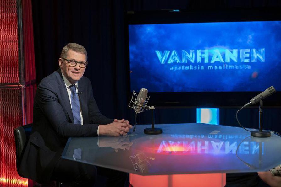 Eduskunnan puhemies Matti Vanhanen on Suomen entinen pääministeri.