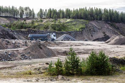 Sora uhkasi loppua Rovaniemen työmailta – Yhtiö alkaa murskata soraa pohjavesialueella, jossa yksikin karannut öljytilkka aiheuttaisi vesikriisin Rovaniemelle