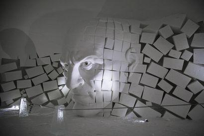 Lainion lumikylän veistokset haastavat tänä vuonna katsojan hahmotuskyvyn ja syvyysnäön – taideteoksia veisti kahdeksan taiteilijaa
