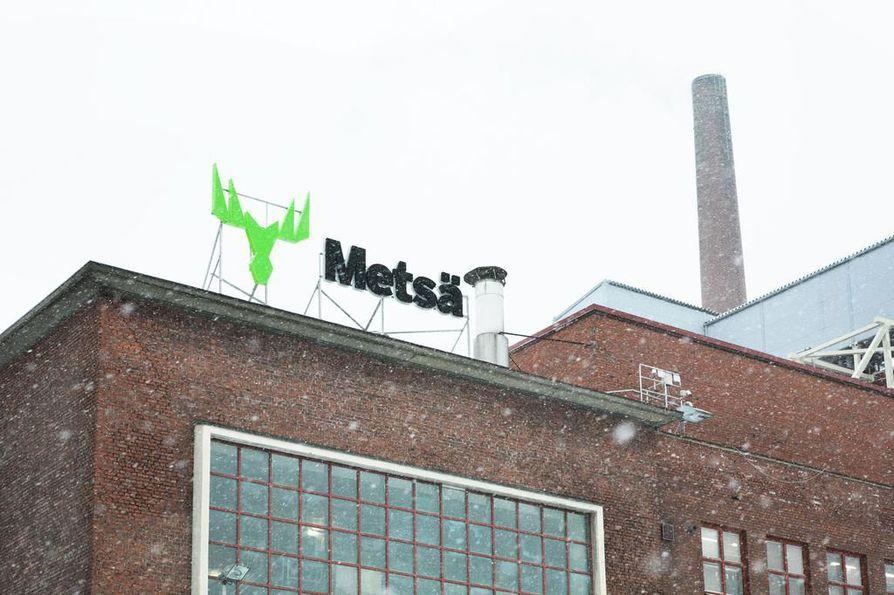 Hiljaiselta näyttää. Tampereen ydinkeskustassa sijaitseva Takon kartonkitehdas ei tuota nyt kartonkia.