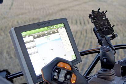 Traktorin automatiikka auttaa kuskia jaksamaan – Ari pistää biossit päälle