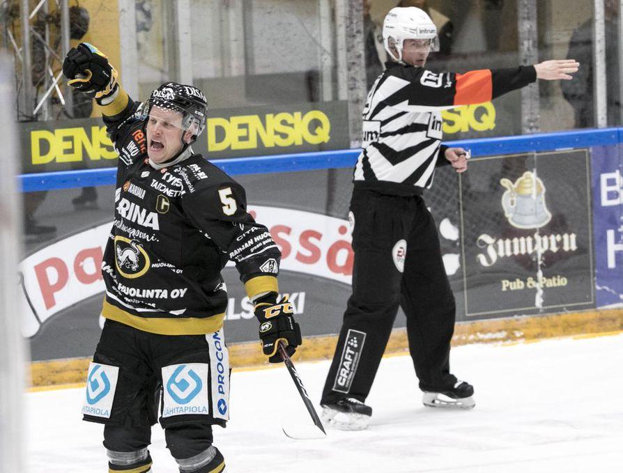 Kärppäkapteeni Lasse Kukkosen sopimus päättyi. Konkari miettii uransa jatkoa myöhemmin.