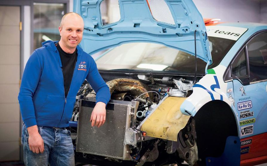 Juha Salo on rallin 10-kertainen suomenmestari. Vuodesta 2015 alkaen miehen ajokkina on ollut Peugeot 208.