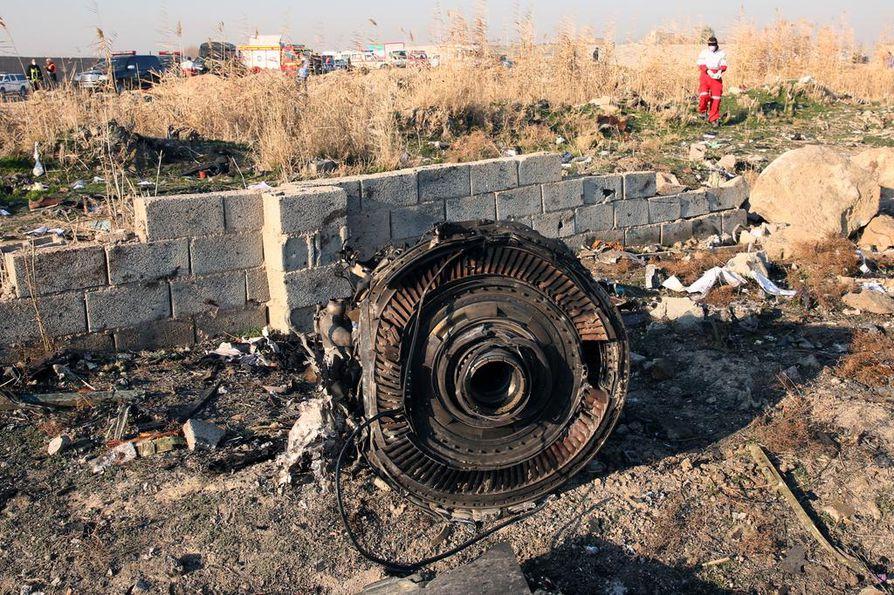 Tiedustelutietojen mukaan keskiviikkona Iranissa pudonnut kone ammuttiin alas ohjuksella.