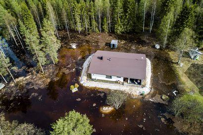 Rovaniemi muuttui Venetsiaksi – Katso Lapin Kansan kuvaajien tulvakuvat viikonlopulta