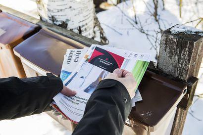 Oulussakin on jaettu koronarokotteita vastustavia kortteja – väärän tiedon jakamisen taustalla uskonnollinen yhteisö, joka kertoo pystyvänsä herättämään kuolleita