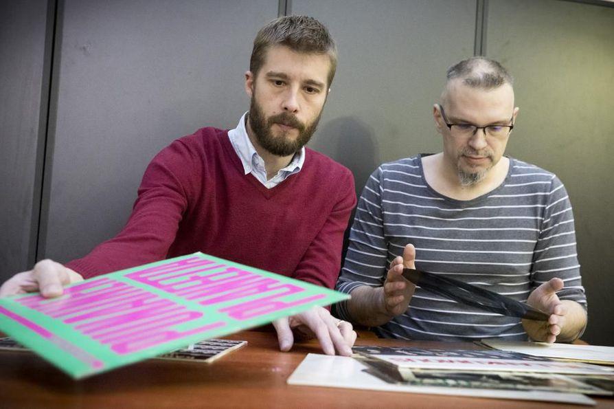 Jari Peltola (vas.) ja Arto Suorsa järjestävät levymessut Koskelankylän Walolla lauantaina.