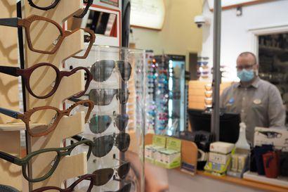 """Laadukkaat näkemisen palvelut paikallisella huippuosaamisella – """"Vanhoista laseista saadaan vaikka aurinkolasit"""""""