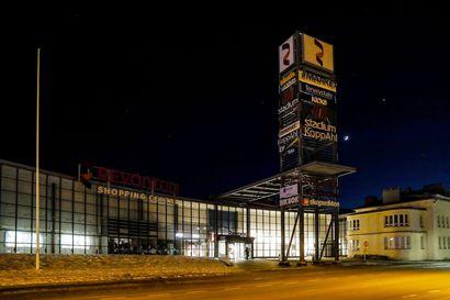 Valot sammuivat tunniksi Kemissä ja Rovaniemellä – Earth Hour muistutti tänä vuonna ruuan ilmastovaikutuksista