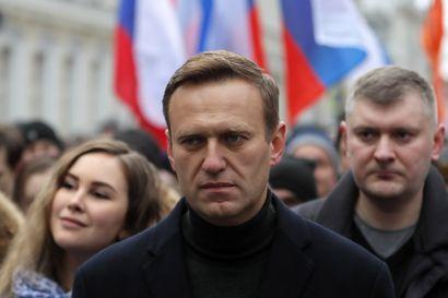 Oppositiojohtaja Aleksei Navalnyi saattoi juoda myrkytettyä pullovettä hotellihuoneessa