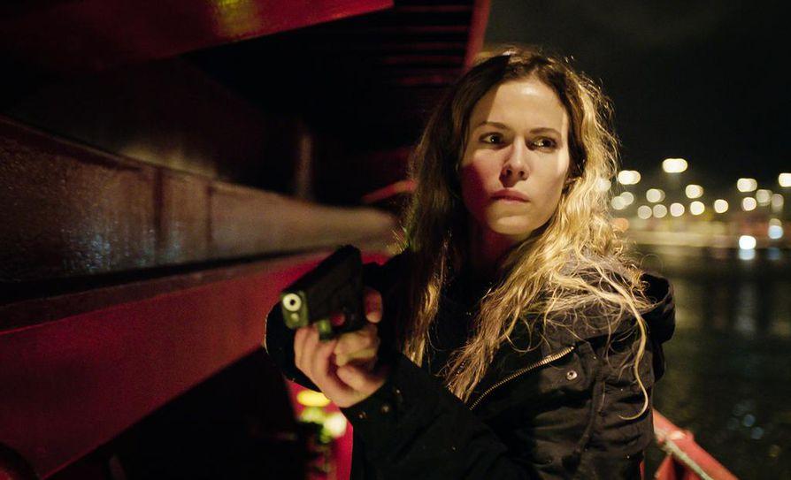 Uuden rikosdraaman nimiroolissa on Pihla Viitala. Hän näyttelee miehensä menettänyttä Sofia Karppia.