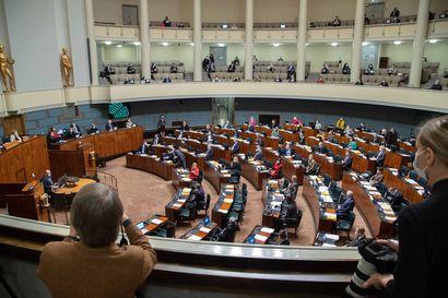 Eduskunnan pääsihteeri: Äänestys elpymispaketista todennäköisesti siirtyy