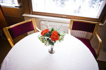 Sairaalapapilla oli Rovaniemellä liki 1500 kohtaamista viime vuonna – rukouksia, keskusteluja, ehtoollisia ja myös traumojen jälkipuintia
