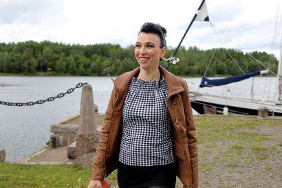 Syksyn kalenterissa siintävät taas keikkalavat– Laulaja Mervi Koponen oppi rauhoittamaan elämänsä jo ennen koronaa vakavan sairauden iskiessä