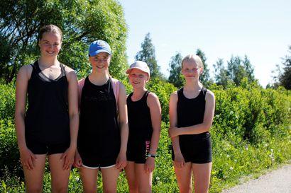 Kaverukset päättivät toteuttaa tubettajan idean kuumana hellepäivänä: kävelevät maratonin Torniossa