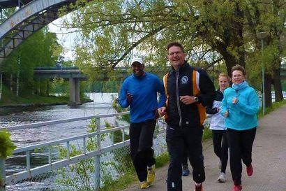 Urheilu edelleen osa elämää – Heinolan Iskun seuratoiminnassa mukana oleva Risto Kalermo vetää harjoituksia ja juoksukoulua sekä tekee harjoitusohjelmia