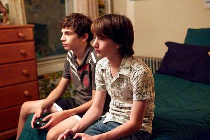 Päivän leffapoiminnat: Brooklynin pojat matkalla aikuisuuteen, Ira Sachsin elokuva kertoo siitä luontevasti kuin hengitys