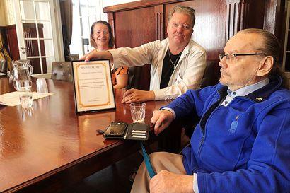 Esteettömyys oli itsestään selvä asia – Grand Hotel Mustaparta sai kiitosta ja kunniakirjan Tornion vammaisneuvostolta