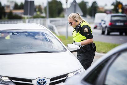 Suomen laki ei tunne rajayhteisöä – Pandemian aikana on luotu velvoittavilta kuulostavia suosituksia, jotka eivät perustu mihinkään lakiin