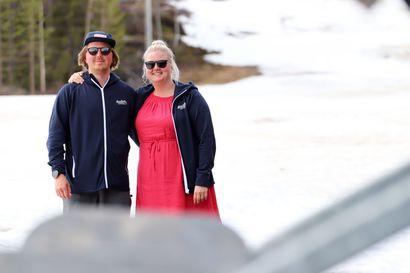 Hissit pyörivät kesälläkin – Iso-Syöte ja Terentjeffit saivat tämän vuoden maakunnallisen yrittäjäpalkinnon