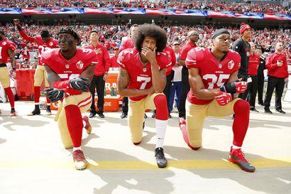 Colin Kaepernick yritti rauhallista protestia ja se maksoi hänelle uran NFL:ssä