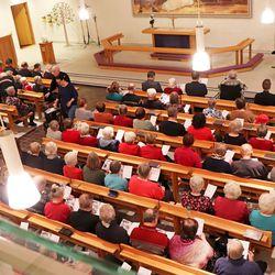 Pudasjärven seurakunnan koronaohjeita tiukennetaan: jumalanpalvelukset ja kauneimmat joululaulut verkkolähetyksinä