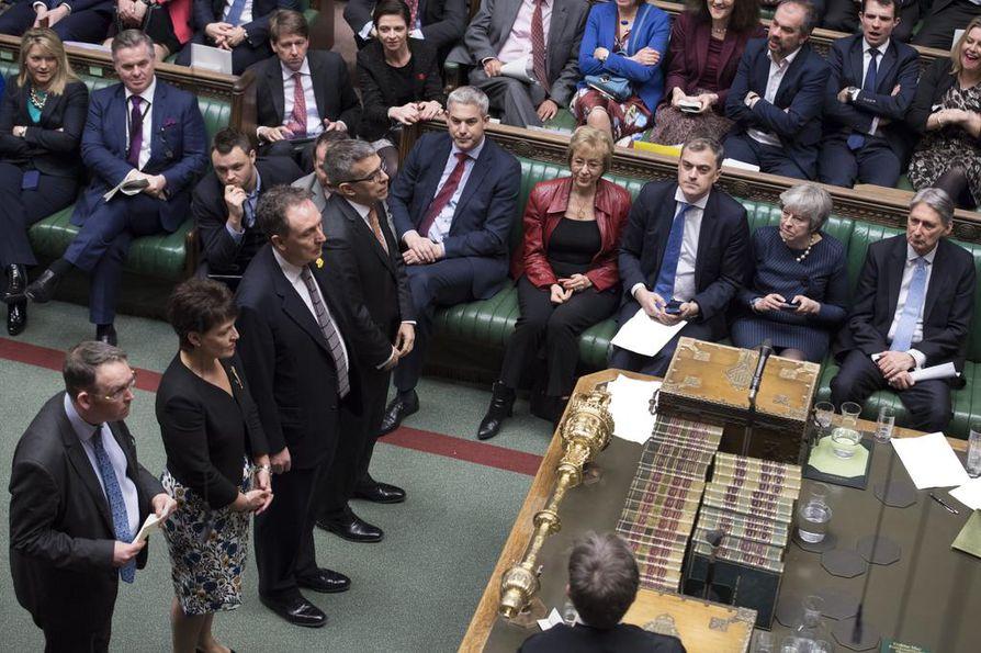 Brittiparlamentti antoi hyväksyntänsä lisäajan hakemiselle brexit-prosessissa. Lisäajan myöntämiseen vaaditaan EU:lta yksimielinen päätös.