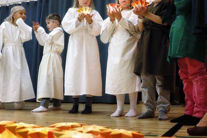 Lukijalta: Voiko koulun joulujuhla kirkossa olla lainvastainen?