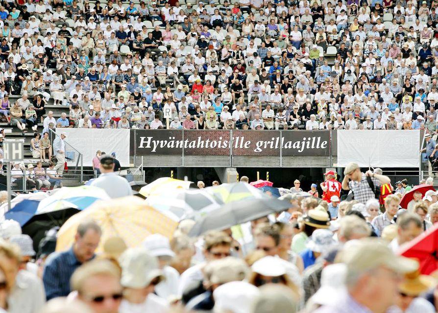 Herättäjäjuhlat järjestettiin Oulun pesäpallostadionilla vuonna 2011. Arkistokuva.