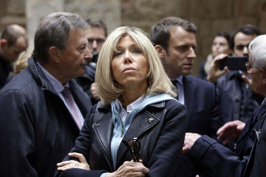 Ranskan ensimmäinen nainen Brigitte Macronon poikkeuksellisen mediahuomion kohteena.