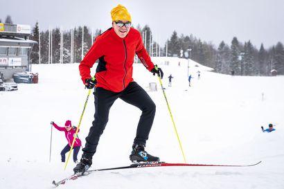 Hiihtokausi on avattu monin paikoin ensilumenladuilla ja luonnonlumilla –Pyhä-Luostolla on jo yhteensä 23 kilometriä hiihtolatua