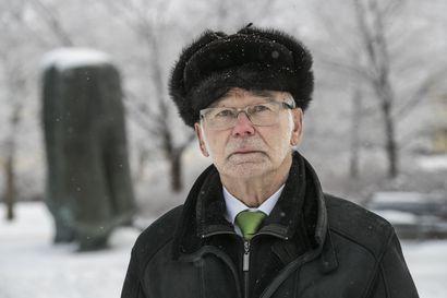 Ex-maaherra Eino Siuruainen kasvoi ilman isää – Oululainen Tanja Tanhua vie villasukat saattohoitoon siirtyvälle isälleen, joka ei ole halunnut olla hänen elämässään