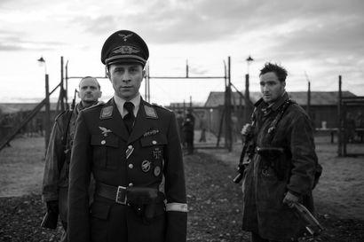 Karkuriehtimukaannatsi-Saksan hulluuteen – Kapteeni-elokuvasta on viihde kaukana