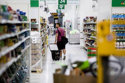 Lukuisia einestuotteita vedetty pois S-ryhmän ja Lidlin kaupoista – Syynä raaka-ainetoimittajan epäily listeriasta