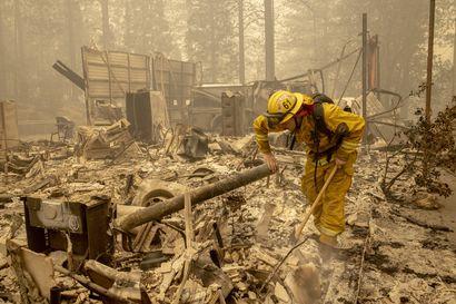 Kymmenet tuhannet palomiehet kamppailivat sammutustöissä Kaliforniassa viikonloppuna – presidentti Trump vierailee Kaliforniassa maanantaina