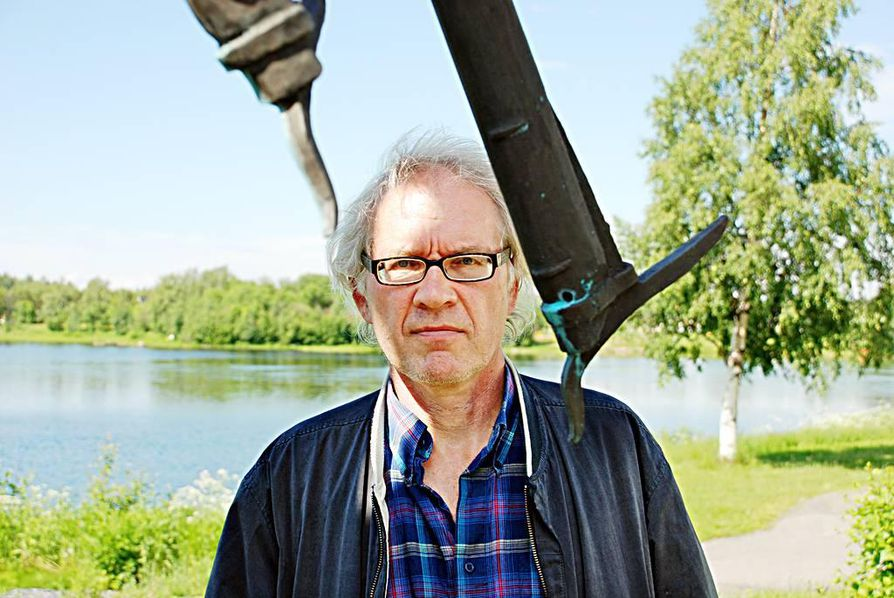 Lars Vilks vieraili Iissä jo kaksi vuotta sitten, jolloin hän osallistui edellisen biennaalin yhteydessä pidettyyn seminaariin puhujana.