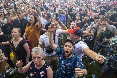 Ilo otettiin irti Oulussa, kun kesän ensimmäinen suuri tapahtuma täytti Kuusisaaren – katso kuvia Suomipop-festivaalin torstailta