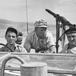 Päivän leffapoiminnat: Sotaelokuvassa oli EU:n enteitä – unohdettu klassikko sijoittuu toisen maailmansodan aikaiseen Pohjois-Afrikkaan