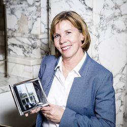 """Oikeusministeri Anna-Maja Henriksson pyrkii jatkokaudelle Rkp:n johtoon – """"Meidän tulee olla läsnä suuremmassa osassa Suomea kuin koskaan aikaisemmin"""""""