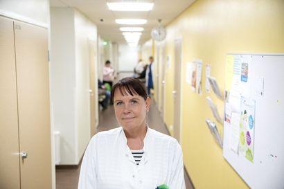 """Johtava lääkäri Liminganlahden koulun korona-altistumisesta: """"Olemme yhteydessä jokaiseen altistuneeseen, kouluun voi mennä turvallisesti"""""""