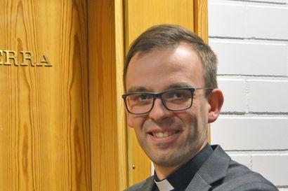 """""""Hetki kerrallansa"""" – monista hyvistä suunnitelmista nostan esille Pudasjärven kirkon juhlavuoden"""